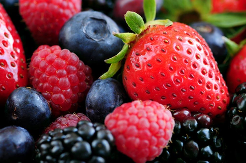 Resultado de imagen de arandanos y fresas